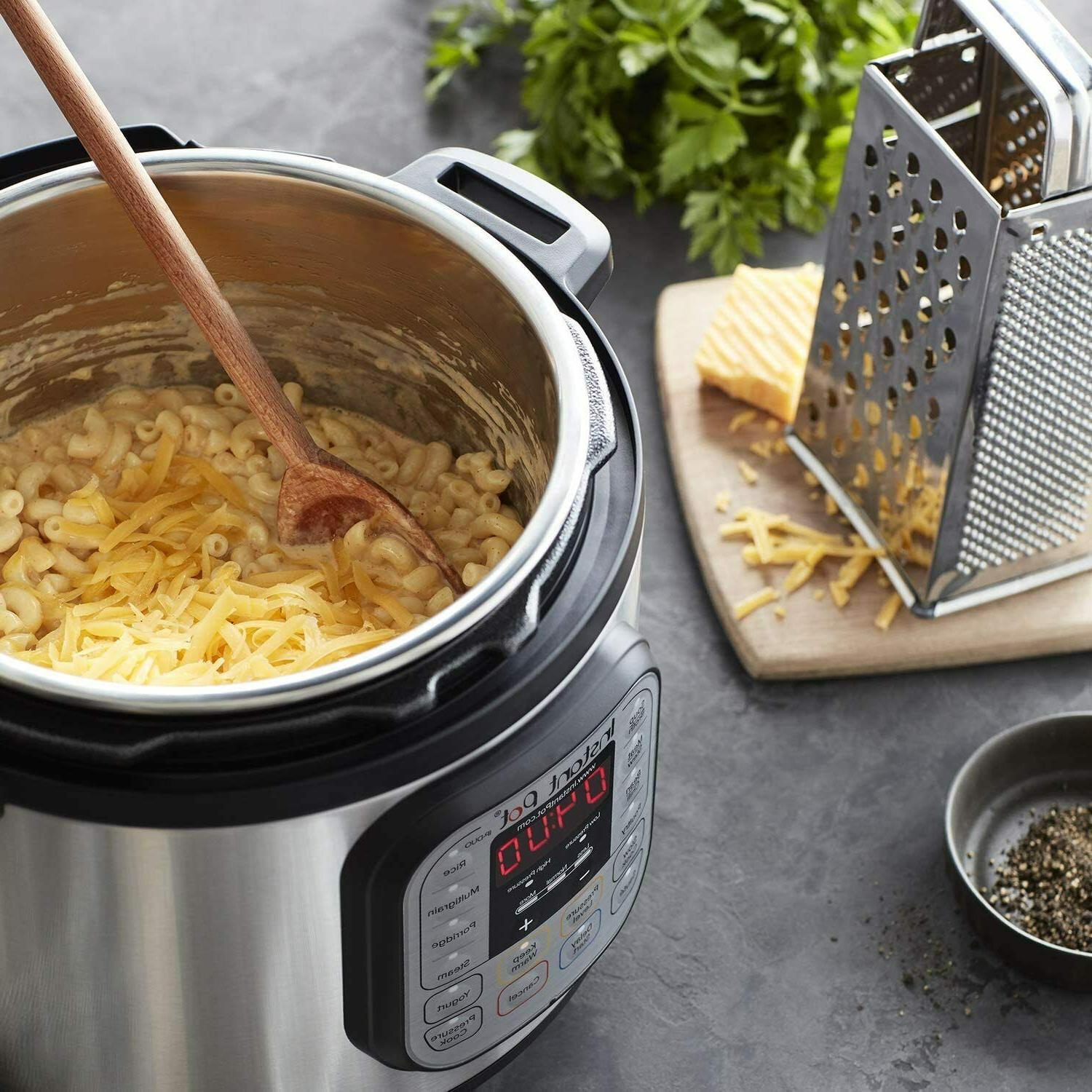 Instant Pot Electric Pressure Cooker- FREESHIP